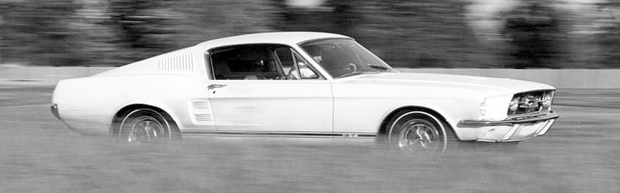 Mustang Fastback GTA 1967 wit